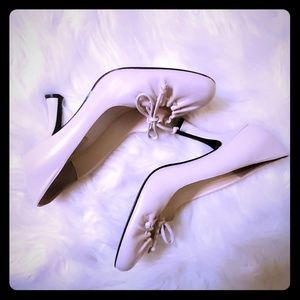 Bisou Bisou cream leather heels shoes sz 7.5